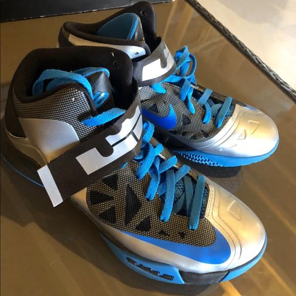 recuperación Año nuevo Comparación  nike zoom lebron soldier 6 Shop Clothing & Shoes Online